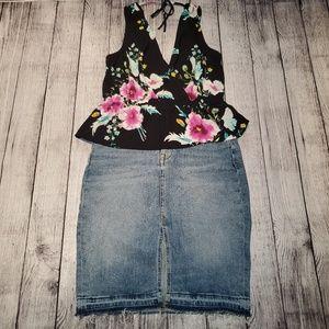 H&M denim skirt. Size6. Pre owned